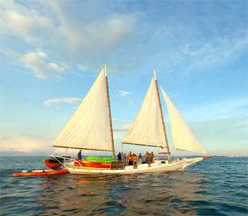 Sailing schooner with kayaks and passengers head to the backcountry of Key West
